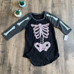 Halloween skeleton tee, size X-Small NWT